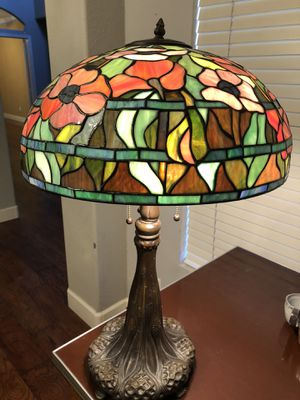 """18"""" wide Tiffany style lamp for Sale in Gilbert, AZ"""
