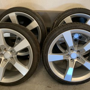 2010-2014 Chevy Camaro Rims And Tires for Sale in Gonzales, CA