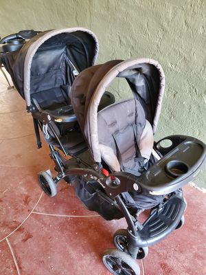 Double Stroller for Sale in Selma, CA