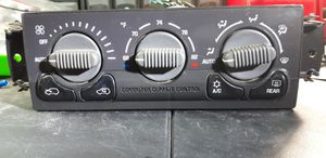GM OEM 99 - 02 AC Heat Climate Control With Rear Defrost in Great Condition! for Sale in Gonzales, LA