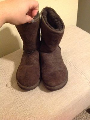 Ugg Classic Short Suede Leather Boots 6 Women brown in great condition Nordstrom for Sale in Federal Way, WA