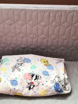 Baby Looney Tunes Fitted Crib Sheet for Sale in Manteca,  CA