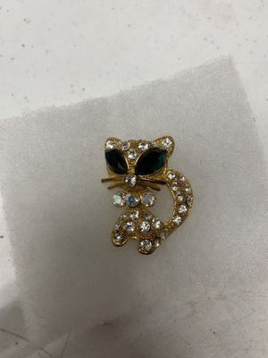 Crystal incrusted Cat Brooch for Sale in Henderson, NV