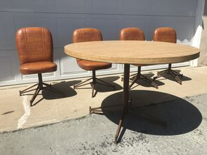 Vintage mid century round table with matching chairs for Sale in La Mesa, CA