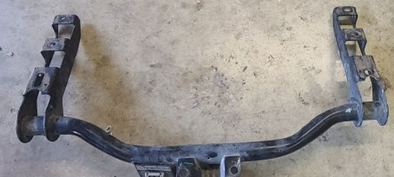 Chevy Silverado Tow Hitch for Sale in Baldwin Park,  CA