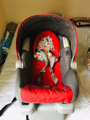 Car seat +base for Sale in Downers Grove, IL