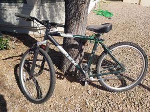 Trek 7500 multitrack hybrid mountain bike 20 inch 51 cm with lights for Sale in Chandler, AZ