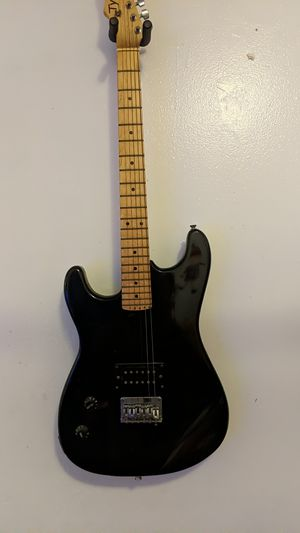 Left handed bass electric guitar for Sale in Brooklyn, NY