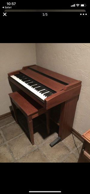 Lowrey Genius G100 electric keyboard for Sale in Louisville, KY
