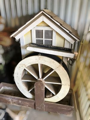 Outdoor farmhouse fountain for Sale in Delhi, CA