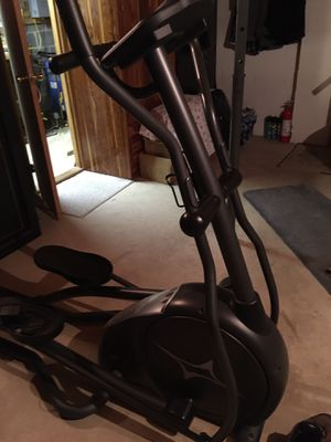 EXCELLENT CONDITION!! Fitness Gear Elliptical for Sale in Leesport, PA
