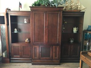 Entertainment center for Sale in Hickory Creek, TX