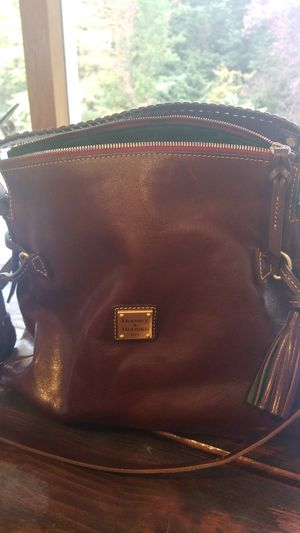 Dooney & Bourke premium leather purse for Sale in Issaquah, WA