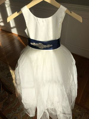 Flower Girl Dress in Size 6 for Sale in Chapel Hill, NC