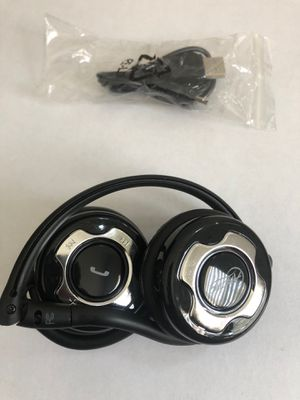 Artic Bluetooth Headphones for Sale in Fort Washington, MD