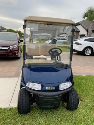 EZGO RXV golf cart excellent condition 2017 model for Sale in Lake Worth, FL