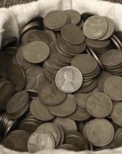 Unsearched Wheat Cents..too busy and too many coins. 300+ wheat cents. for Sale in Houma,  LA