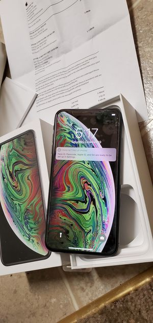 iPhone XS MAX 256GB FACTORY UNLOCKED WITH RECEIPT for Sale in Stockton, CA