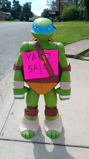Yard sale today and tomorrow for Sale in Nashville, TN