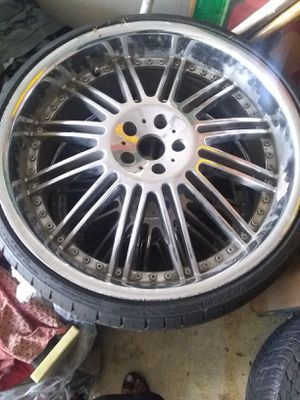 300or best offer 2 tires or bad for Sale in Houston, TX