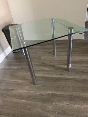 Glass small kitchen table modern glass wraps around edges for Sale in Las Vegas, NV
