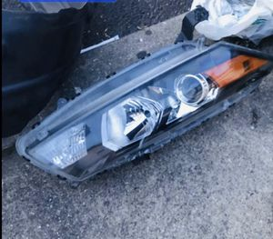 2008-2012 Honda Accord coupe headlight assembly for Sale in Paterson, NJ
