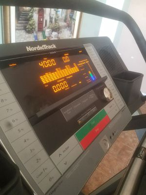 Treadmill, NordicTrack C2270 for Sale in Apache Junction, AZ