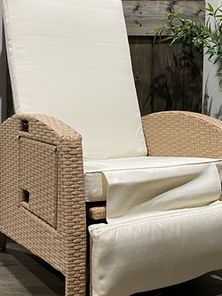 "Outdoor recliner. 40.25"" H x 28.25"" W x 36.25"". MSRP $400. Our price $145 + sales tax for Sale in Woodstock,  GA"