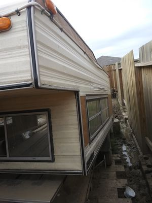 8ft long camper shell $100 obo for Sale in Texas City, TX