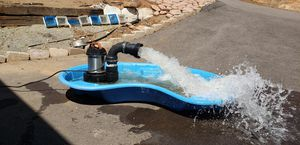 Aquascape 10000 High flow water pump for Sale in Ramona, CA