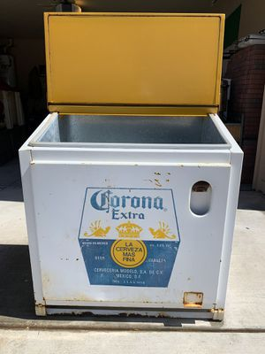 Standing Corona Cooler, Large for Sale in Phoenix, AZ