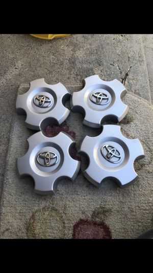 Hub cops Toyota Tundra or Sequoia 5 lugs for Sale in Los Angeles, CA