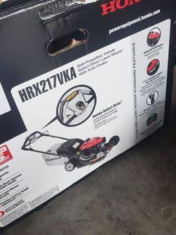 Honda Hrx217vka Versamow Self Propelled Lanw Mower Variable Speed Brand New In Box Nueva en Caja for Sale in Houston,  TX