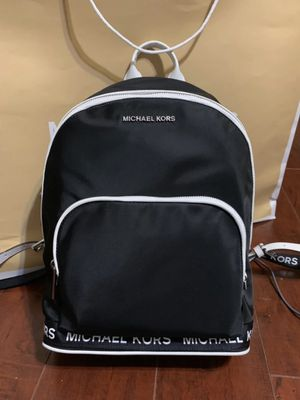 NWT Michael Kors Connie Md Backpack for Sale in Arlington, TX