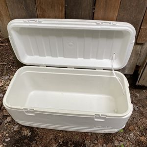 120qt Igloo Cooler for Sale in Everett, WA
