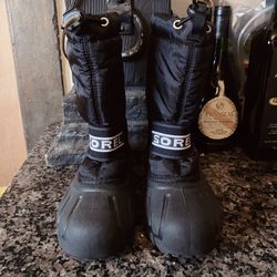 Boys Sorel Insulated Rain Snow Boots Size 1 for Sale in Los Angeles,  CA