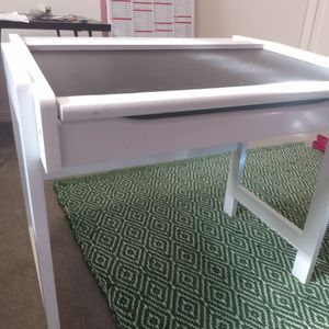 Kids Desk With Drawer for Sale in Seattle, WA