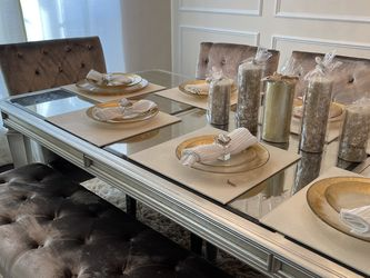 Dining Table Decor Charger, Plates, Napkin, And Napkin Holders for Sale in DeSoto,  TX