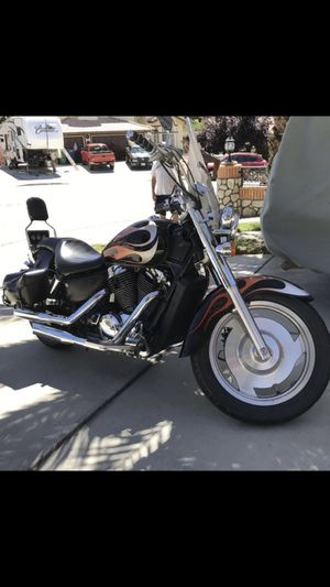 Honda 2005 motorcycle CC1100, in excellent condition miles only 48, for Sale in Palmdale, CA