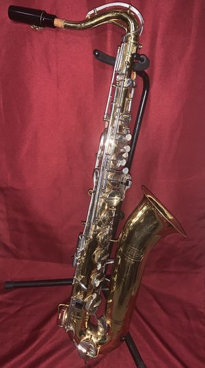 Vintage early 1970s Selmer Bundy Saxophone for Sale in Richmond, CA