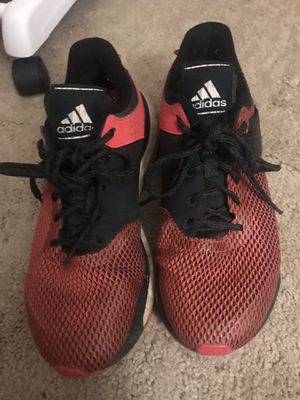 Adidas shoes women's size 8 for Sale in Shawnee Hills, OH