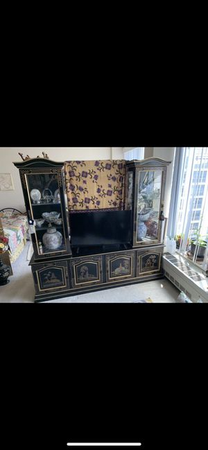 NICE CHINA CABINET CONSOLE TV STAND. for Sale in Washington, DC