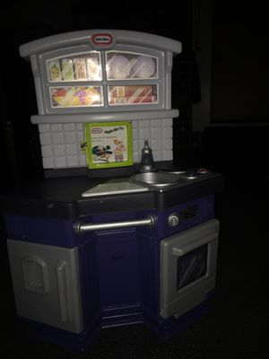 Little tikes kitchen like new for Sale in Kent, WA