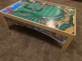 Kids Car / Train Table Excellent Condition for Sale in Stockton,  CA