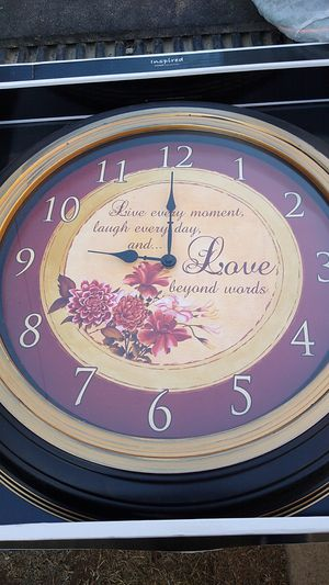 20 in wide by 20 in tall love every moment laugh everyday and love beyond words clock for Sale in Fresno, CA