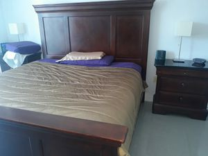 Bedroom Set: King Bed and Mattress + 2Night Stands + Dresser Drawer with Mirror. $400!! 📞305📞725📞1375 for Sale in Miami, FL
