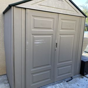 Rubbermaid Shed Big Max Jr 3.5' X 7' for Sale in Murrieta, CA