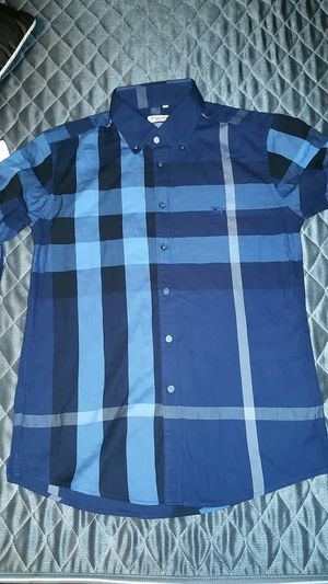 Burberry boys shirt size M for Sale in Whittier, CA