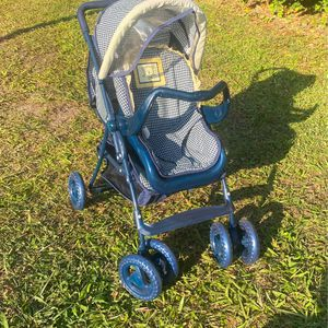 Little Girls Baby Stroller For Dolls With Matching Car seat for Sale in Dover, FL