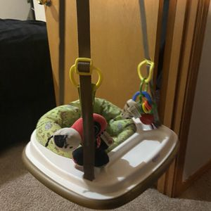 Free Baby Jumper for Sale in Oregon City, OR